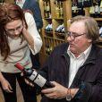 """Archives - Gerard Depardieu fait la promotion du vin d'Anjou """"Chateau de Tignes"""", fabrique dans sa propriete dans la vallee de la Loire. Le 28 octobre 2007"""