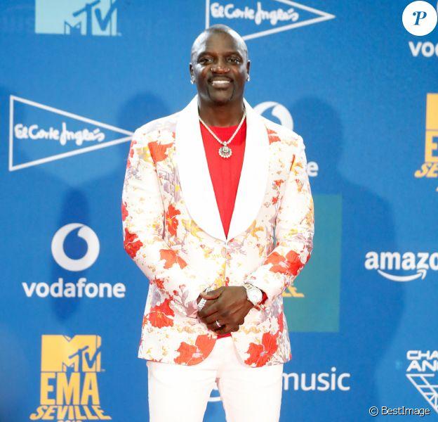 Akon à la Press room de la soirée MTV European Music Awards 2019 (MTV EMA's) au FIBES Conference and Exhibition Centre à Séville en Espagne.