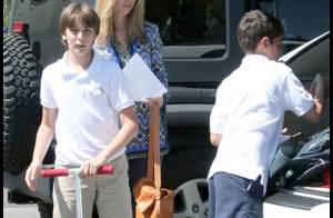 Lisa Kudrow : pour accompagner son fils au parc... la star de Friends se transforme en Phoebe !