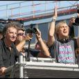 Hier, David Guetta invitait Jacques Lang à le rejoindre sur son char.
