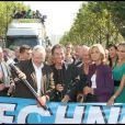Valérie Bègue est vraiment jolie à la Techno-parade !