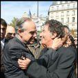 Frederic Mitterrand et Jack Lang... le baiser, le baiser ! A la techno-parade le 19 septembre
