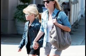 Reese Witherspoon : pause déjeuner avec sa fille... pendant que papa drague !