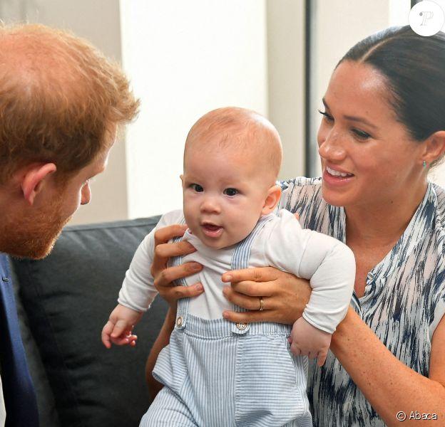 Meghan Markle, le prince Harry et leur fils Archie lors de leur tournée royale en Afrique du sud, à Cape Town, 2019.