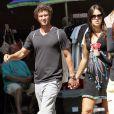 Ana Ivanovic et Adam Scott profitent sur soleil new-yorkais pour une séance de shopping dans les rues de SoHo.