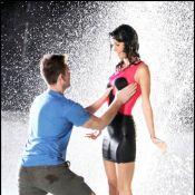 """Katy Perry : Tellement sexy en """"miss robe mouillée"""" au milieu d'une fontaine..."""