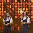 """Les Frangines (Anne Coste et Jacinthe Madelin) - Enregistrement de l'émission """"300 Choeurs chantent Dassin"""" à Paris, le 15 septembre 2020 et diffusé le 16 octobre 2020. © Tiziano Da Silva / Bestimage"""