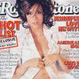 Octobre 2002 : Jennifer Love Hewitt, jeune actrice de 23 ans, pose en chemise d'homme et lingerie pour Rolling Stone.