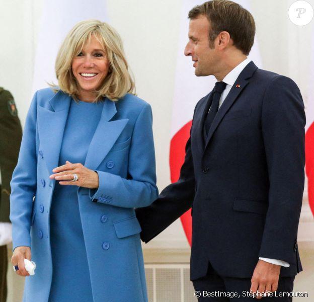 Le président de la république, Emmanuel Macron accompagné de la première dame Brigitte Macron et Gitanas Nauseda, président de la république de Lithuaine, au palais présidentiel, Vilnius, Lituanie. © Stéphane Lemouton / Bestimage