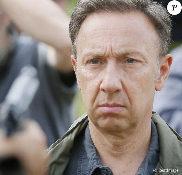 """Exclusif - Stéphane Bern tient son premier rôle devant la caméra d'O. Guignard dans le téléfilm de France 3 """"La Mort vue du ciel"""" à Châteauneuf-sur-Charente."""