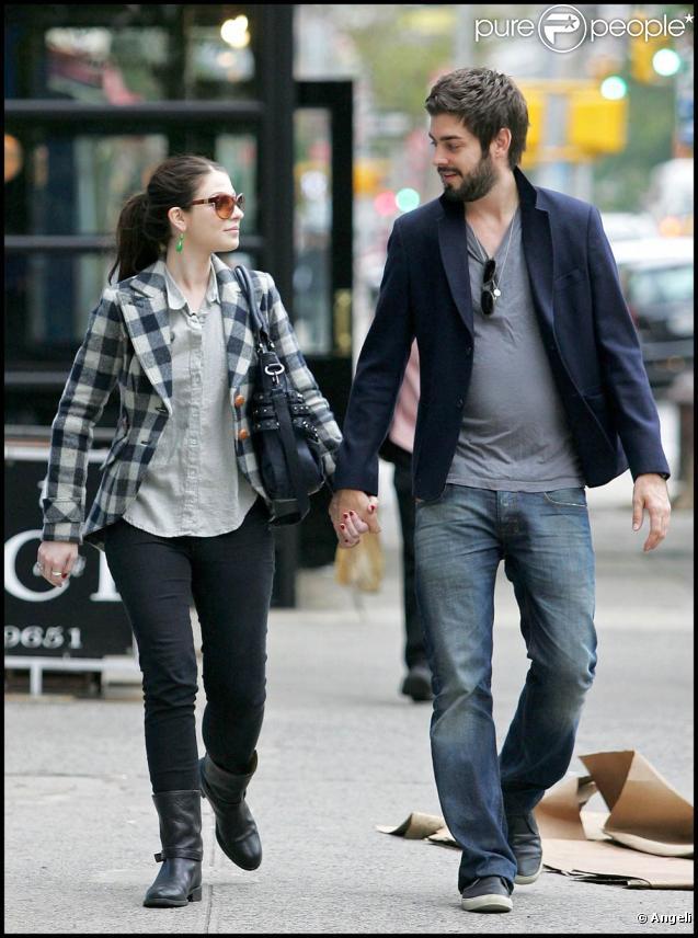 Michelle Trachtenberg couple