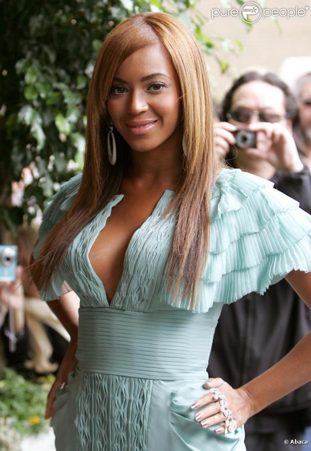 Beyoncé Knowles, victime malgré elle d'une rumeur quelque peu embarrassante : son père aurait trompé sa mère !