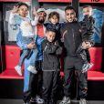 Dimitri Payet, ses trois fils Pharrell, Milan et Noa, le rappeur Alonzo et son fils. Février 2020.
