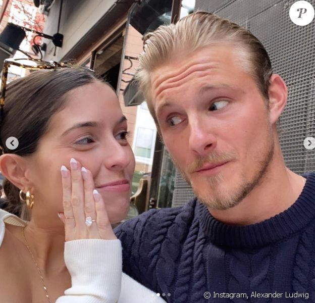 Alexander Ludwig et sa petite amie Lauren Dear officialisent leurs fiançailles.