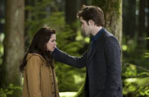 Admirez Robert Pattinson et Kristen Stewart, un couple envoûtant... face aux pires dangers !