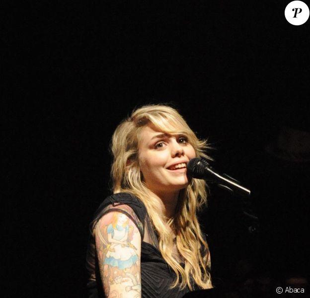 Coeur de Pirate en concert à Paris à la Cigale le 6 octobre 2009