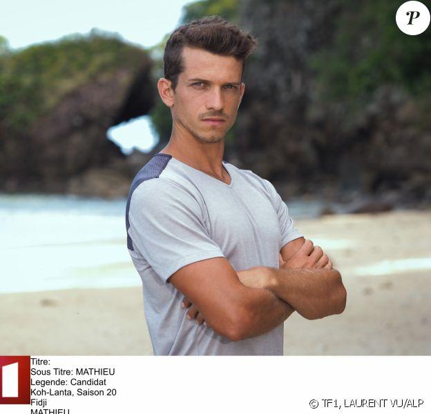 """Mathieu, candidat de """"Koh-Lanta, Les 4 Terres"""", diffusée en 2020, photo officielle"""