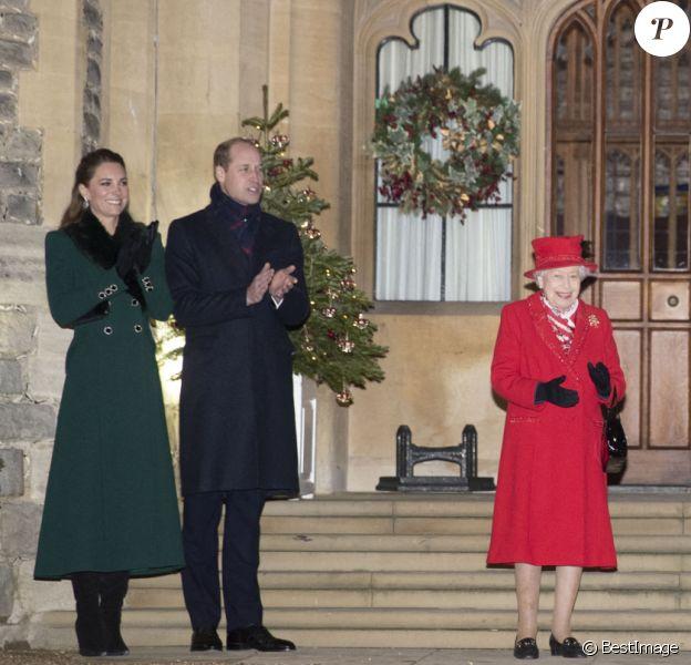 Catherine Kate Middleton, duchesse de Cambridge, le prince William, duc de Cambridge, la reine Elisabeth II d'Angleterre, le prince Charles, prince de Galles, Camilla Parker Bowles, duchesse de Cornouailles - La famille royale se réunit devant le chateau de Windsor pour remercier les membres de l'Armée du Salut et tous les bénévoles qui apportent leur soutien pendant l'épidémie de coronavirus (COVID-19) et à Noël le 8 décembre 2020.