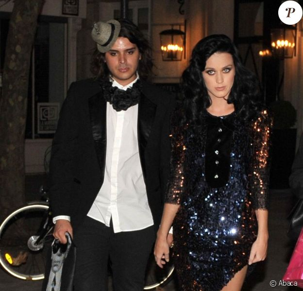 Katy Perry, étincelante pour le défilé Sonia Rykiel