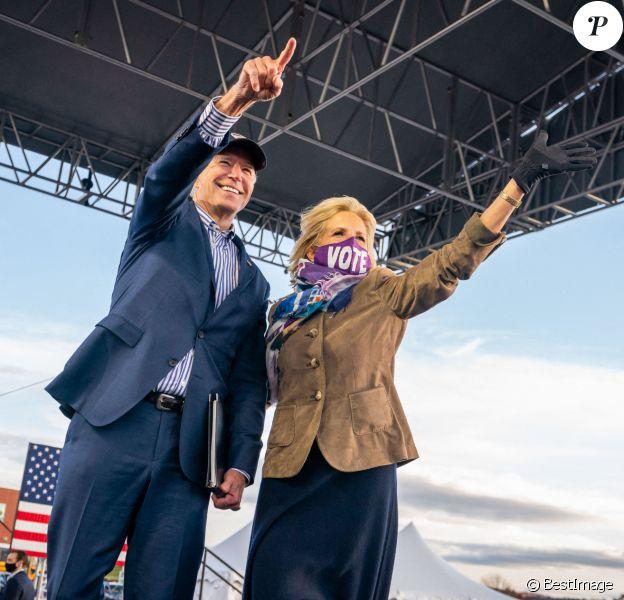 Jill Biden et Joe Biden en meeting pour l'élection présidentielle des Etats-Unis © Adam Schultz/Biden for President via ZUMA Wire/ZUMAPRESS.com / Bestimage