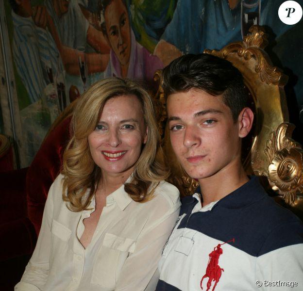 Valérie Trierweiler et son fils Léonard - Inauguration de la Fête des Tuileries à Paris