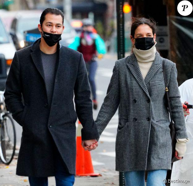 Exclusif - Katie Holmes et son compagnon Emilio Vitolo Jr. sont allés au musée en amoureux à New York, décembre 2020