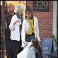 Katie Holmes, sa mère et Suri Cruise à Boston en séance shopping le 10 octobre 2009