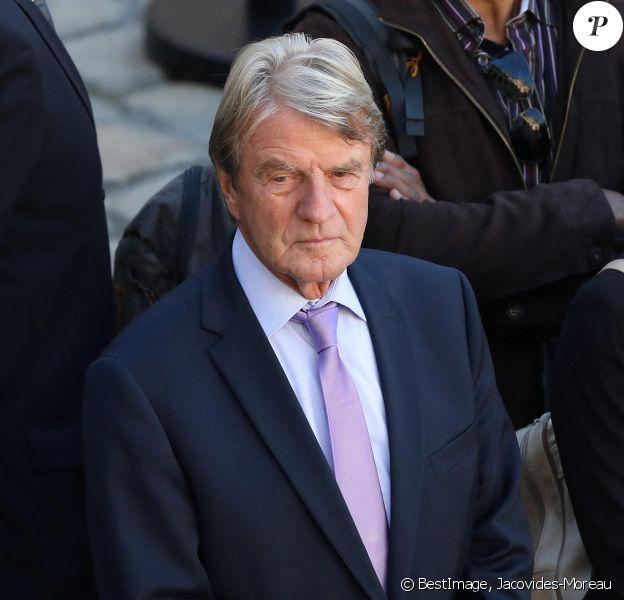 Bernard Kouchner - Arrivées à l'hommage national à Charles Aznavour à l'Hôtel des Invalides à Paris. © Jacovides-Moreau / Bestimage