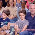 """Olivier Siroux, en famille dans l'émission """"Ça commence aujourd'hui"""" sur France 2. Le 8 janvier 2021."""