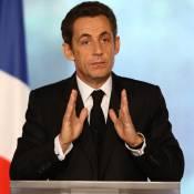 Le général Nicolas Sarkozy vient au secours du soldat Mitterrand... Peu convaincant !