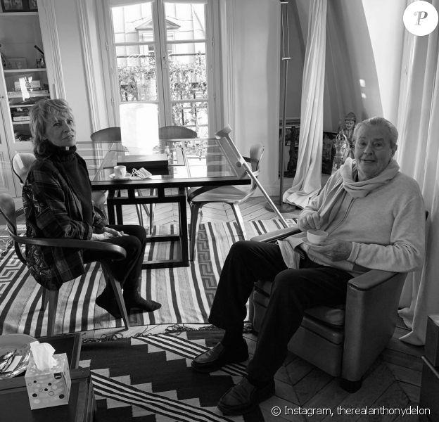 Anthony Delon a partagé une photo de sa maman Nathalie avec son papa Alain sur Instagram, janvier 2021.