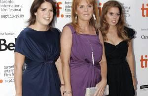 Sarah Ferguson, endettée, fait la fête pour ses 50 ans... avec ses filles, son chéri et ses amis rock'n'roll !