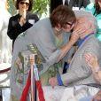 Christopher Plummer, Shirley MacLaine - Christopher Plummer laisse ses empreintes dans le ciment hollywoodien au TCL Chinese Theater à Hollywood, le 27 mars 2015