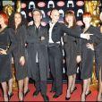 Le chorégraphe Philippe Decouflé entouré des danseuses du Crazy Horse !