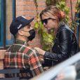 Exclusif - G-Eazy et Ashley Benson dans le quartier de Studio City à Los Angeles.