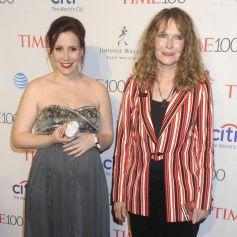 Mia Farrow et sa fille Dylan O'Sullivan Farrow, enceinte, lors du lors du Gala Time 100 à New York. Le 26 avril 2016.