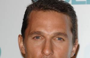 Matthew McConaughey se met au parfum pour Dolce & Gabanna