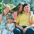 Laetitia Casta, ses parents et sa soeur Marie-Ange en 1994.