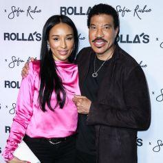 Lisa Parigi et son compagnon Lionel Richie à la soirée Rolla's x S. Richie Collection au Harriet's Rooftop dans le quartier de West Hollywood à Los Angeles.