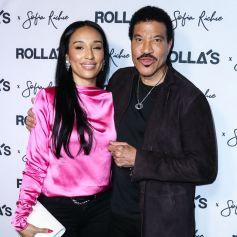 Lisa Parigi et son compagnon Lionel Richie à la soirée Rolla's x S. Richie Collection au Harriet's Rooftop dans le quartier de West Hollywood à Los Angeles, le 20 février 2020