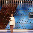 Gal Gadot remet le prix du Meilleur film étranger à la 78ème cérémonie des Golden Globes au Rockefeller Center à New York le 28 février 2021.