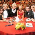 """Kareen Antonn, Michel Boujenah, Patrick Sébastien, Marie-Anne Chazel, Bruno Solo, Yvan Le Bolloc'h dans l'émission """"Le plus grand cabaret du monde. Le 19 septembre 2005."""