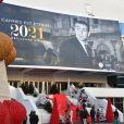 Le Palais des Festivals de Cannes rend hommage à l'acteur Sean Connery. © Lionel Urman / Bestimage