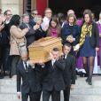Clémence Rochefort, Françoise Vidal et Louise Rochefort lors des obsèques de Jean Rochefort en l'église Saint-Thomas d'Aquin à Paris, le 13 octobre 2017.