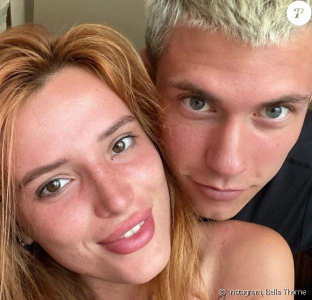 Bella Thorne et son compagnon Benjamin Mascolo sur Instagram, l'été dernier.