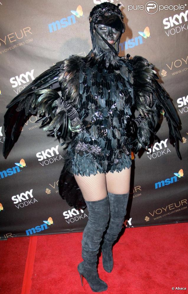 Heidi Klum et Seal ont fait sensation le 31/10/09 pour Halloween déguisés en oiseaux !
