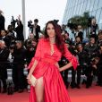 """Delphine Wespiser - Montée des marches du film """"Les plus belles années d'une vie"""" lors du 72e Festival de Cannes. Le 18 mai 2019. © Borde / Bestimage"""