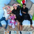 Jamel Debbouze souhaite une bonne année 2020 à ses fans sur Instagram, avec une photo de lui, sa femme Mélissa Theuriau et leurs deux enfants Léon et Lila. Photo publiée le 1er janvier 2020.