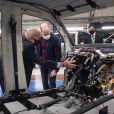 Le prince William, duc de Cambridge, lors d'une visite chez Babcock International Group à Wallsall, West Midlands,Royaume Uni, le 4 mai 2021. Babcock International Group est une entreprise britannique qui conçoit, fabrique et prend en charge des véhicules personnalisés pour les services d'urgence, la fonction publique, l'armée et d'autres organisations axées sur la sécurité.