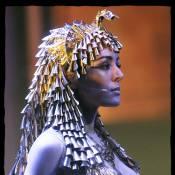 Sofia Essaïdi : Cléopâtre... Le retour ! Et le cinéma en 3D lui fait les yeux doux !